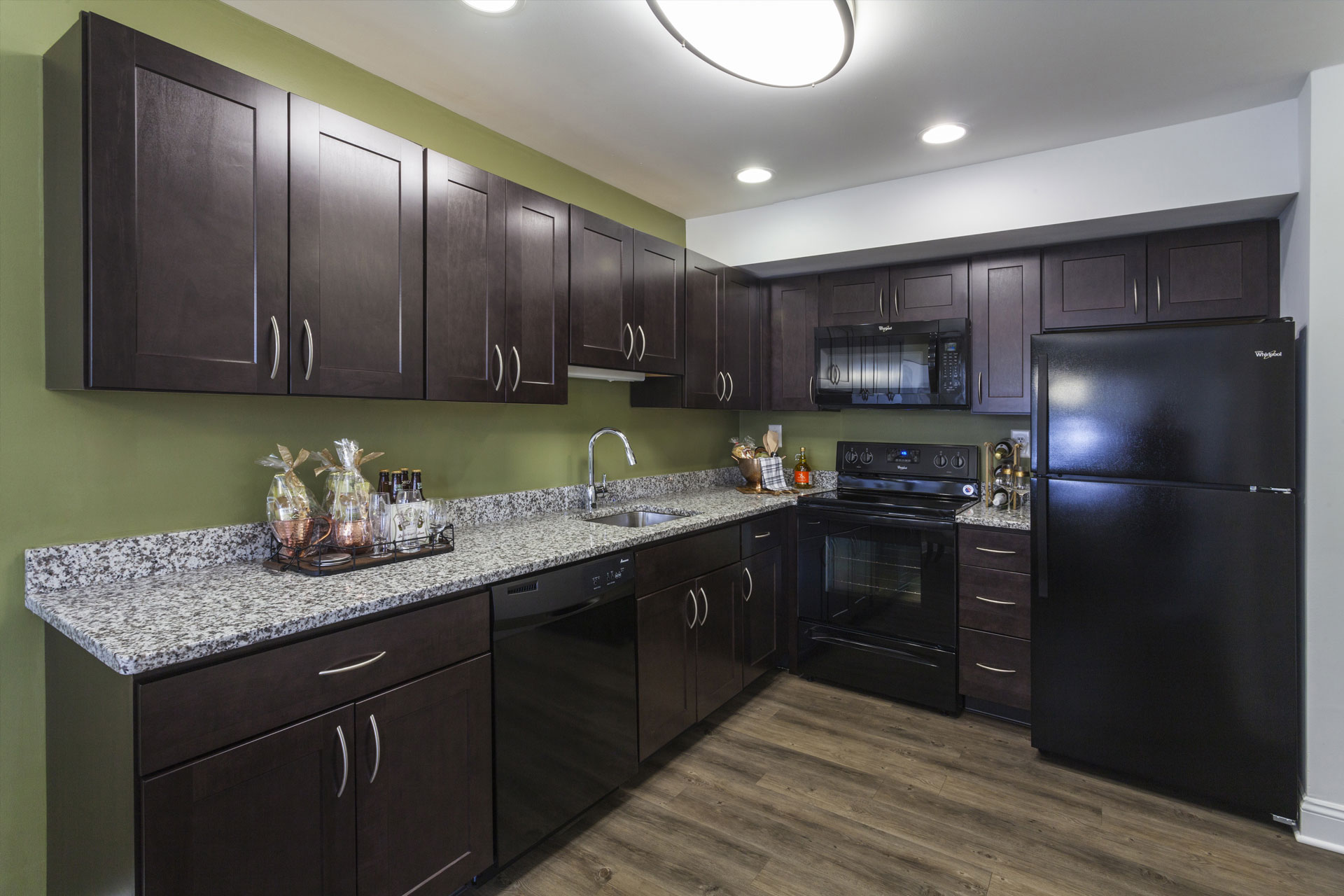 Regency Woods Apartments Kitchen